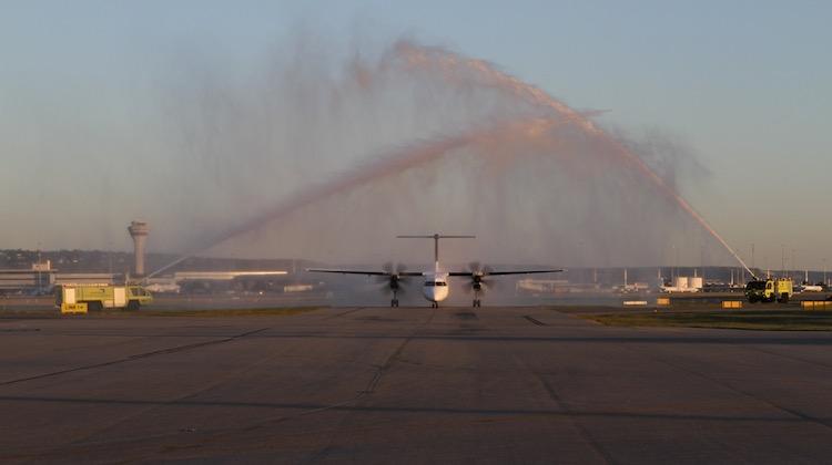 Perth Airport says goodbye to Qantaslink Q400 VH-LQJ. (Brenden Scott)