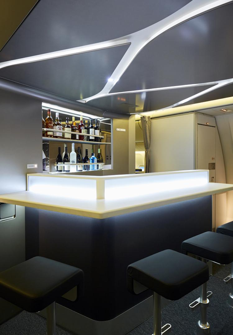 The bar and lounge on Virgin Australia's Boeing 777-300ERs. (Virgin Australia)