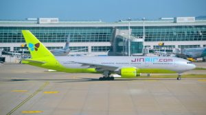 A file image of a Jin Air Boeing 777-200ER at Seoul (Incheon). (Alec Wilson/Wikimedia Commons)