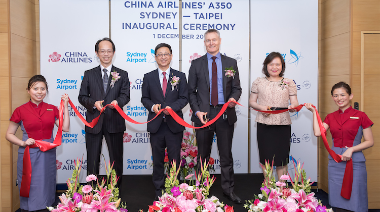 Representatives from Sydney Airport and China Airlines celebrate the arrival of the airline's first A350-900 flight to Sydney. (Sydney Airport/Kurt Ams)