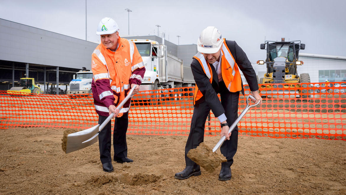 Adelaide Airport managing director Mark Young and Watpac South Australia manager Tim Tape. (Adelaide Airport)