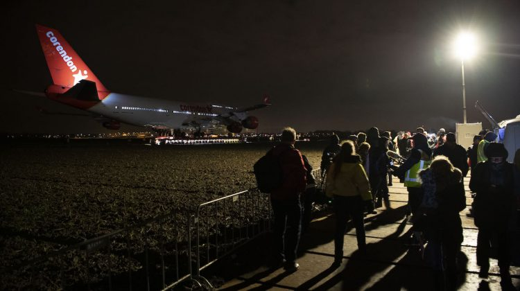 Crowds gather to watch the start of the Boeing 747-400s journey from Amsterdam Schiphol Airport to the Corendon Village Hotel. (Corendon Hotels)