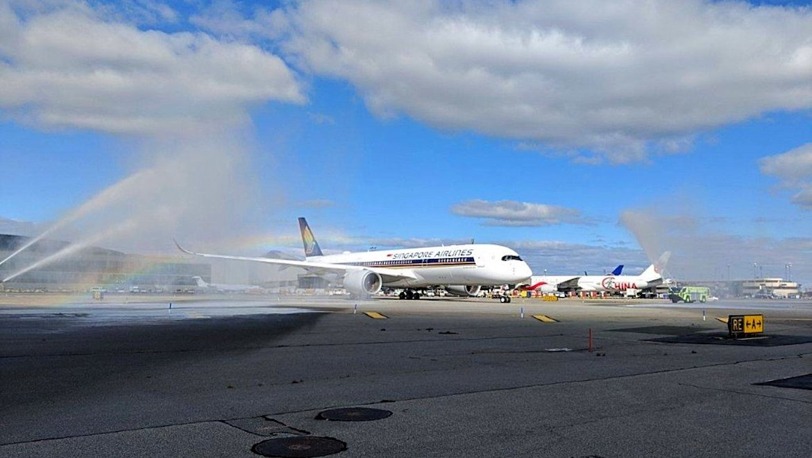 Singapore Airlines' Airbus A350-900ULR receives a traditional welcome at Newark Liberty International Airport. (Newark Liberty International Airport/Twitter)