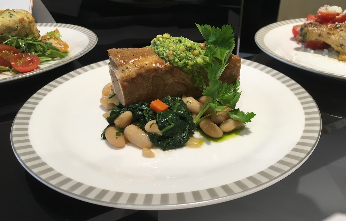 Singapore Airlines' nonstop flights to North America feature meals developed in partnership with Canyon Ranch. (Jordan Chong)