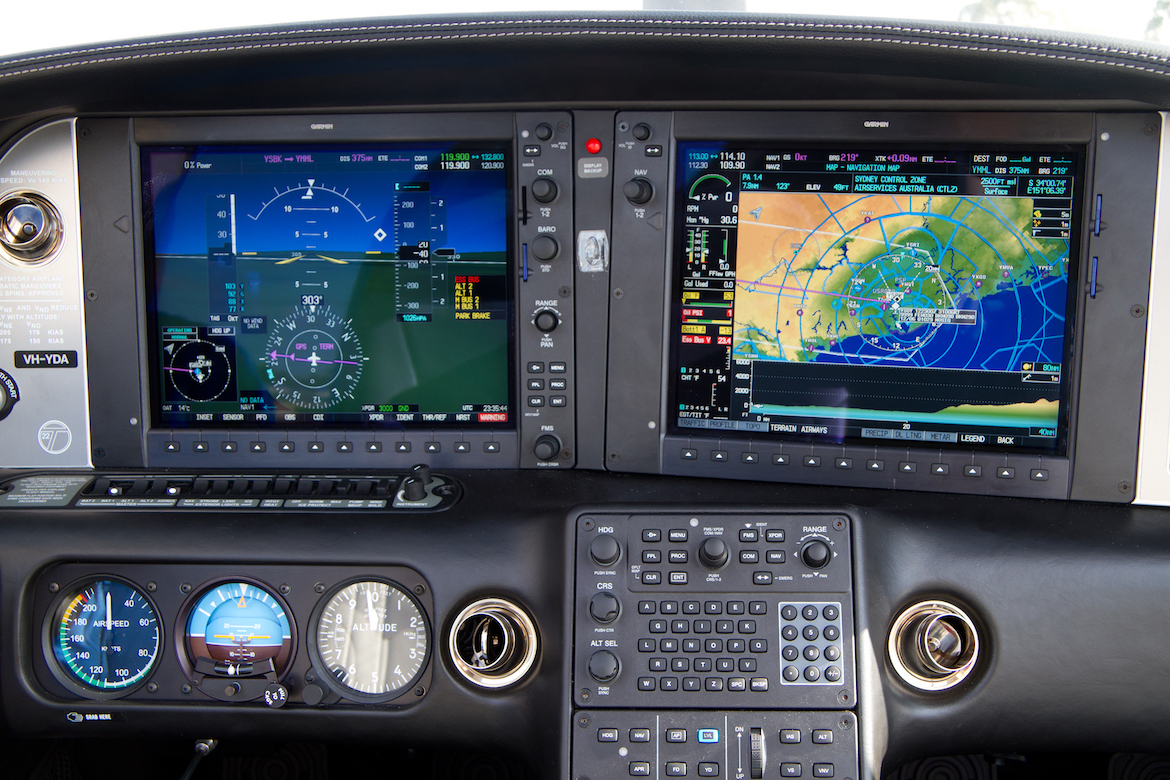 The Cirrus Perspective avionics suite features 30cm displays. (Seth Jaworski)