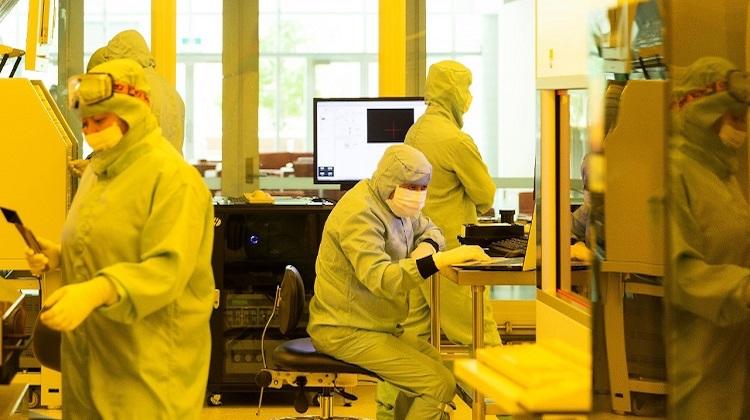 Technicians at work inside the Sydney Nanoscience Hub cleanroom. (University of Sydney)