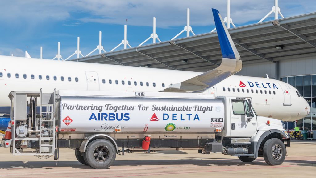 A file image of a fuel truck and a Delta Airbus A321. (Delta Air Lines)