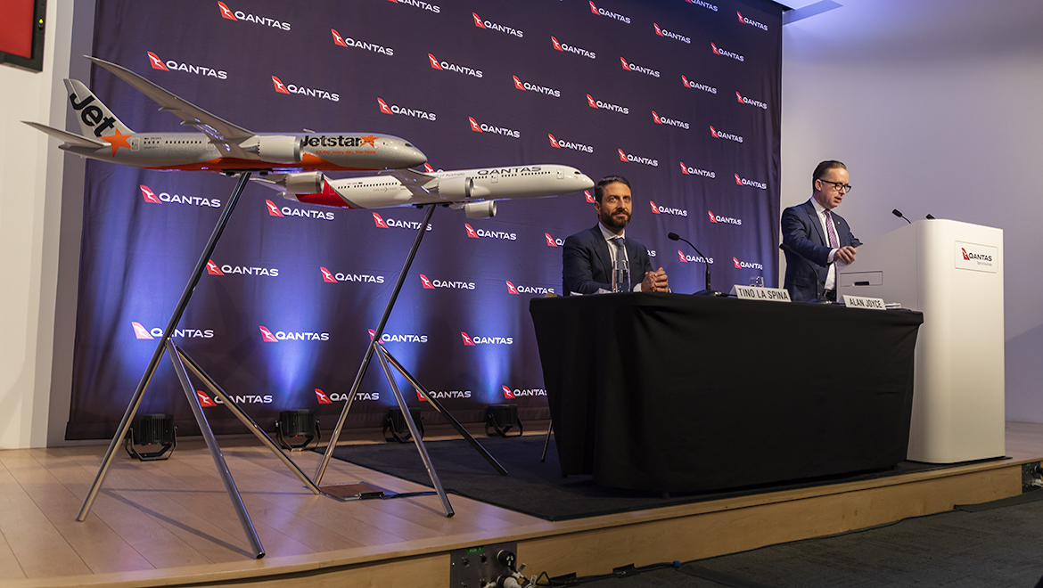 Qantas chief executive Alan Joyce and chief financial officer Tino La Spina present the airline group's 2018/19 full year results. (Seth Jaworski)