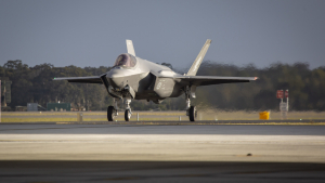 F-35A Lightning II aircraft A35-015 arrives at No. 3 Squadron at RAAF Base Williamtown. (Defence)
