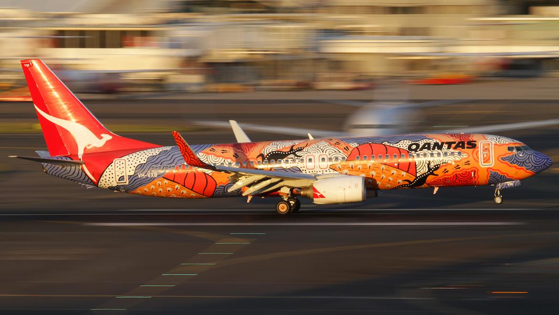 Qantas Boeing 737-800 VH-VXB Yananyi Dreaming. (Seth Jaworski)