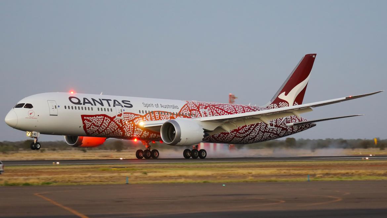 Qantas Boeing 787-9 VH-ZND arriving at Alice Springs. (Victor Pody)