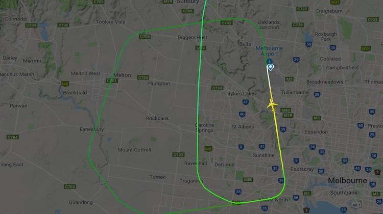A screenshot of Vietnam Airlines flight VN781 approach and go-around at Melbourne Airport. (Flightradar24 website)