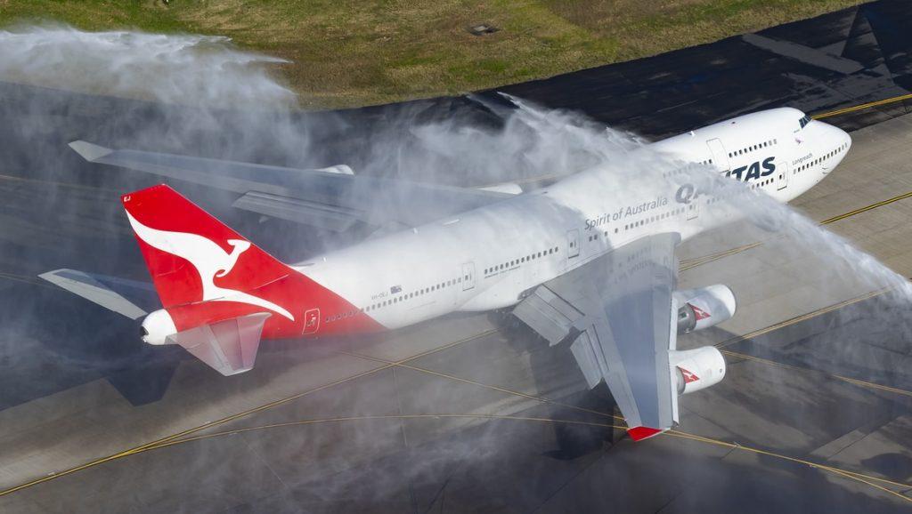 VH-OEJ-departure1 v2