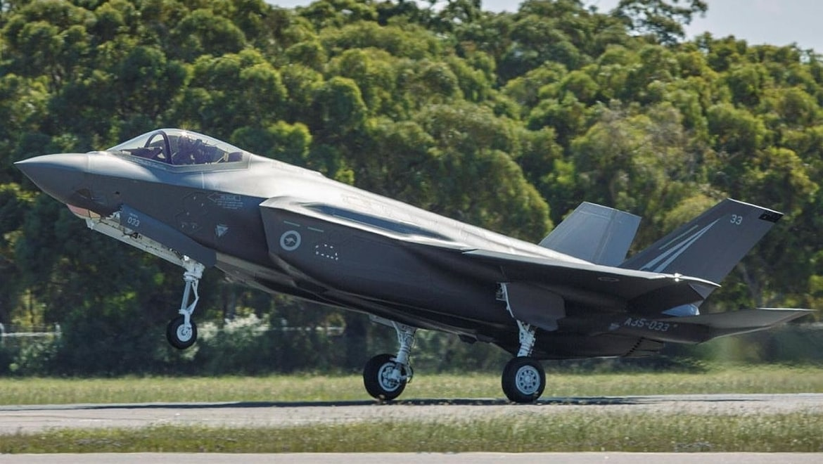 F-35A Lightning II aircraft A35-033 touches down at RAAF Base Williamtown after transiting from the United States. Photo Sergeant David Gibbs 2
