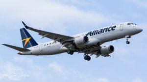 VH-UYZ Alliance Airlines E190 AA (Dave Soda)