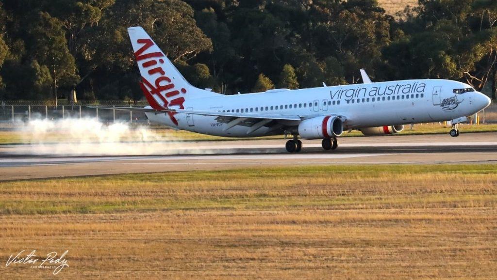 A Virgin 737-8FE, VH-VUP, as shot by Victor Pody